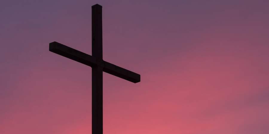 Sonhar com cruz
