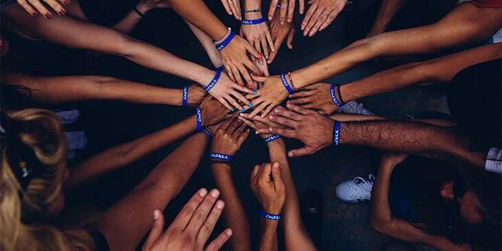 Sonhar com mãos