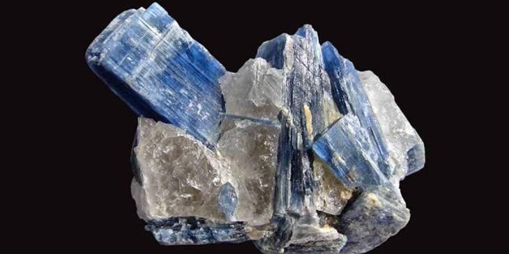 Cianita azul
