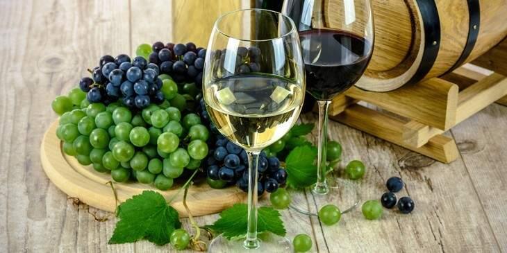 sonhar-com-vinho
